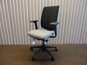 Reply Ergonomic Mesh back Office Chair By Steelcase Adjustable Black
