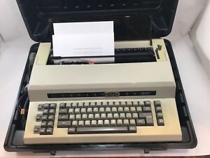 Sears the Electronic Communicator 2 Electric Typewriter