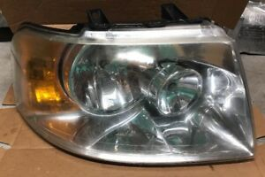 2004 Ford Expedition Headlight Assembly Right