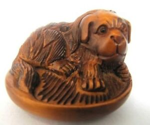 Y4859 10 Years Old 2 Hand Carved Boxwood Netsuke Figurine Carving Dog