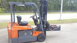 2012 Toyota 7fbeu20 Forklift Truck 189 Side Shift Pneumatic Tires W Charger