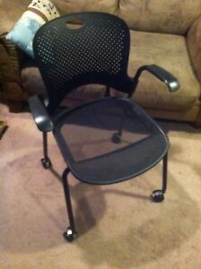 Herman Miller Taper Desk Chair In Excellent Condition New Rollers