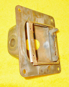 1967 1968 Mustang Fastback Coupe Shelby Cougar Orig A t Shifter Bucket Housing