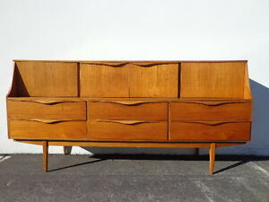 Mid Century Modern Danish Tv Media Console Sideboard Furniture Cabinet Buffet