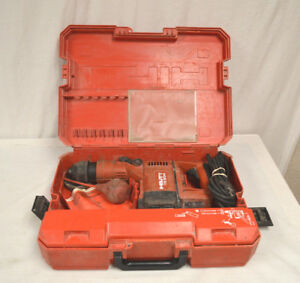 Hilti Te504 Rotary Hammer Drill W bits And Case