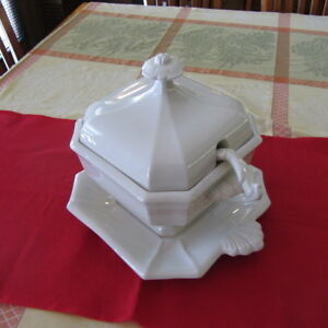 Vintage Red Cliff Ironstone White Soup Tureen Ladle Underplate