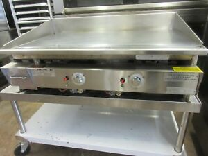 Keating Miraclean 42 Natural Gas Thermostat Controlled Flat Top Griddle