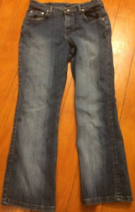 Riders by Lee Woman's Size 10P Petite Classic Fit Straight Leg Jeans Dark Wash
