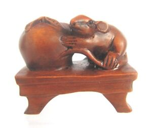 Y3804 2 Hand Carved Boxwood Netsuke Lovely Mouse
