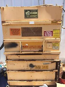 Gpi Baler Cardboard aluminum Cans Great Condition