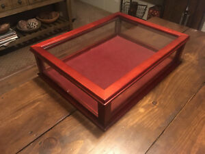 new Counter Top Display Case Mahogany Dovetail Wood Glass 23 X 17 X 6