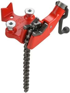 Ridgid Bench Chain Vise Top Screw 1 8 In To 2 1 2 In Heavy Duty Cast Iron
