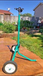 New 1 2 Rolling Sprinkler Base With Aqua Burst X 25 Turf Garden Dust Etc