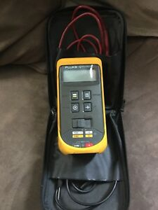 Fluke 12 Multimeter W leads And Case