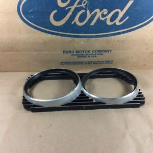 1970 70 Thunderbird Nos Oem Ford D0sz 13064 b Lh Headlamp Light Bezel Door