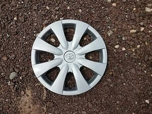 New 2009 2010 2011 2012 2013 Corolla Hubcap 15 Wheel Cover Silver Emblem 61147