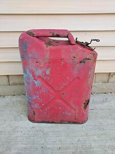 Vintage Us Military Red Metal Jerry Gas Cans 5 Gallon Willys Jeep