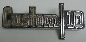 1973 1974 Chevrolet Chevy Truck Custom 10 Emblem Script Badge 6273123