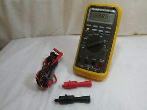 Fluke Et 88 Dmm Automotive Digital Multimeter New Leads Clips used Works Fine