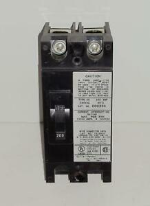 Cutler Hammer Cc2200 200 Amp 2 P Circuit Breaker W Line Load Lugs