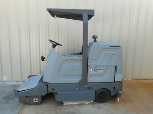 Advance 38 Rider Floor Sweeper Scrubber Disc Ride On Battery Powered 3800