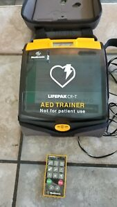 Medtronic Lifepak Defbrillator Cr t Aed Trainer W Remote Carrying Case Nice
