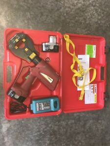 Clean Burndy Patriot Pat81kft 18v Hydraulic Dieless Crimper Used Lightly