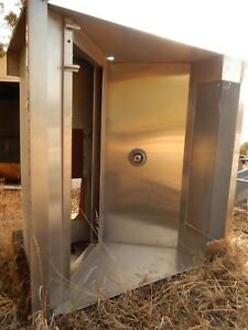 Hood By Vent matic model Cdw 55 w X 55 t X 31 d Stainless Steel beautiful