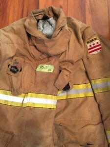 Firefighter Globe Turnout Bunker Coat 50x35 Halloween Costume 2002 Dcfd