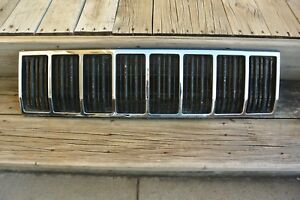 1989 Jeep Wagoneer Grille Part Number 55013146 Mopar Discontinued