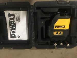 Dewalt Dw088 4 5 Vdc Cross Line Red Laser Level With Case