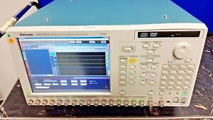 Tektronix Awg5014 Arbitrary Waveform Generator 1 2 Gs s 14 Bit 4 Channel