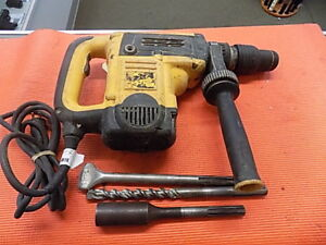 Dewalt D25501 1 9 16 Sds Max Rotary Hammer With Bits