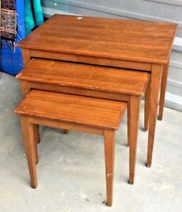 Mid Century Modern Danish Teak Stacking Tables Kvalitet Form Funktion