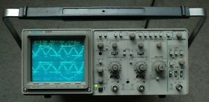 Tektronix 2221a 100mhz Two Channel Digital analog Oscilloscope Two Probes