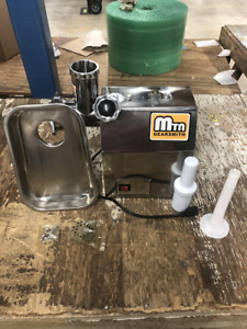 New Mtn Gearsmith Commercial Electric Meat Grinder Mincer Sausage Stuffer 12