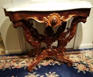 C1800 S Highly Carved Walnut Marble Top Lamp Table Trutle Top Carved Marble