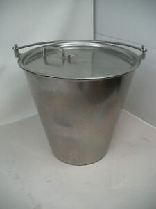 Stainless Steel Tapered Dairy Pail With Hook on Lid Vollrath 5816 14 75 Qt