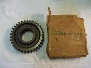 Nos John Deere R Tractor Countershaft 1st First Gear R82r New Old Stock