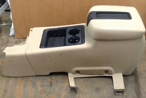 2007 2008 2009 Chevy Avalanche 1500 Front Center Console Tan Leather Armrest Oem