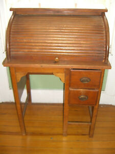 Vintage Childs Roll Top Desk C 1930 1940 Looks Like A Paris Mfg Co