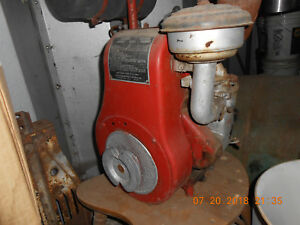 2 vintage Wisconsin Briggs Straton Style Air Cooled Engine Motor