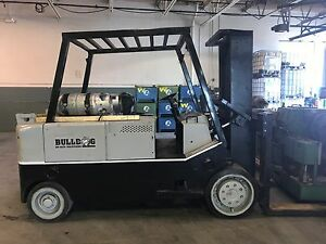 Towmotor Forklift 30k Capacity local Pick Up Only