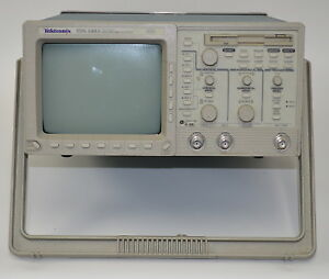 Tektronix Tds 340a 100 Mhz 2 channel Digital Real Time Oscilloscope used
