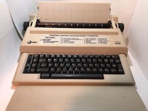 Vintage At t 6210 Electronic Typewriter Electric Working W Box Surespell