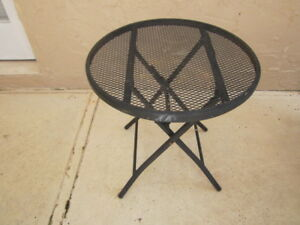 Russell Woodard Sculpture Wire Round Patio Table Shipping Not Included