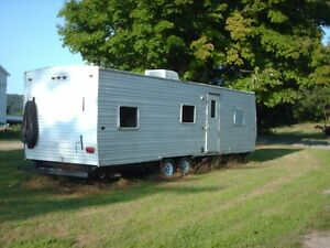 8 Ft x28 F 2006 Gulf Stream Sales Office Construction Job site Trailer