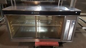 Delfield Model Countertop Refrigerated Bakery Display Case With Mirrored Back