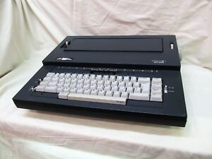 Smith Corona Sd300 Spell Right Ii Electric Portable Typewriter