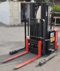 Raymond Rss 30 Walkie Straddle Pallet Stacker used Working 2008 Model